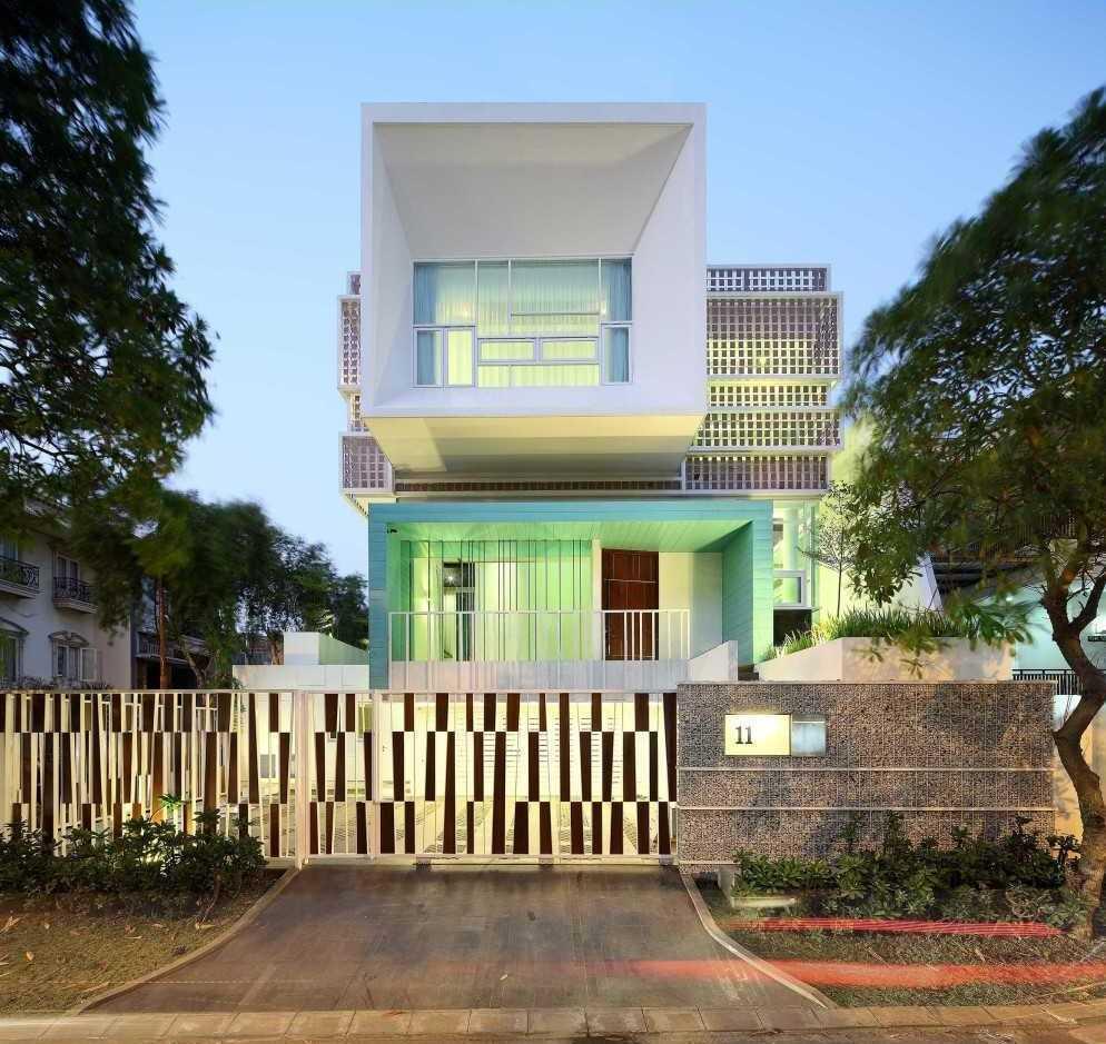 Atelier Cosmas Gozali Gading Residence Kelapa Gading, North Jakarta Kelapa Gading, North Jakarta Living Room  31261