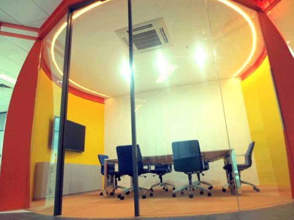 Atelier Cosmas Gozali Office Interior  Kelapa Gading, North Jakarta Kelapa Gading, North Jakarta Meeting Room Industrial 24651