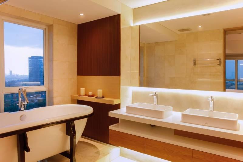 Foto inspirasi ide desain kamar mandi industrial Bathroom oleh DESIGN INTERVENTION di Arsitag
