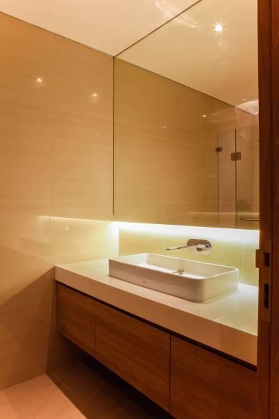 Design Intervention Pavilion Apartment At Kh Mas Mansyur Jakarta Jakarta Bathroom Minimalis,modern,industrial,glass 2598