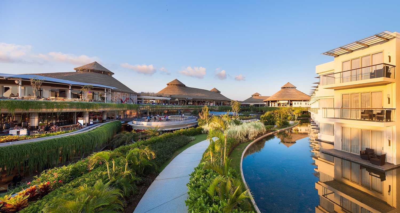 Foto inspirasi ide desain kolam tropis Pond oleh Enviro Tec di Arsitag