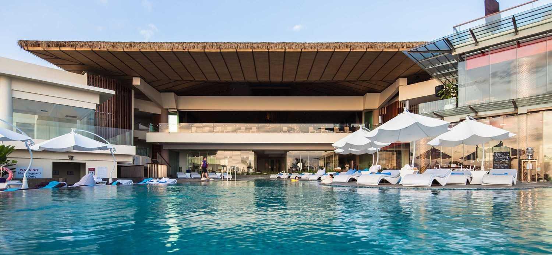 Foto inspirasi ide desain kolam minimalis Swimming pool view oleh Enviro Tec di Arsitag