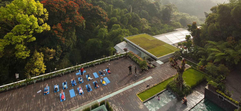 Foto inspirasi ide desain taman minimalis Courtyard oleh Enviro Tec di Arsitag