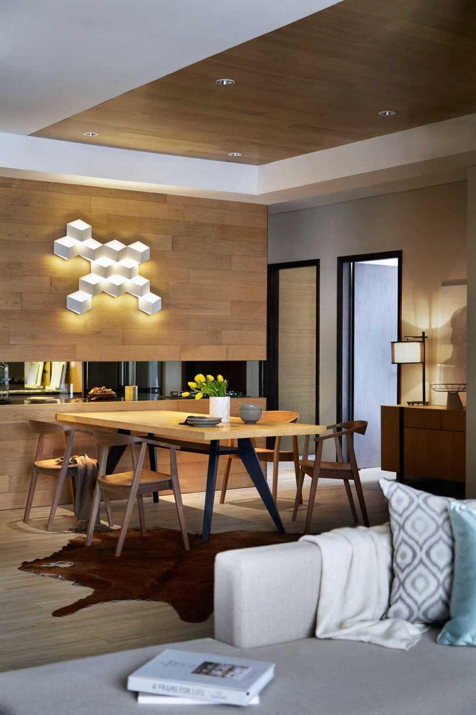 Foto inspirasi ide desain ruang makan skandinavia Dining room oleh Enviro Tec di Arsitag