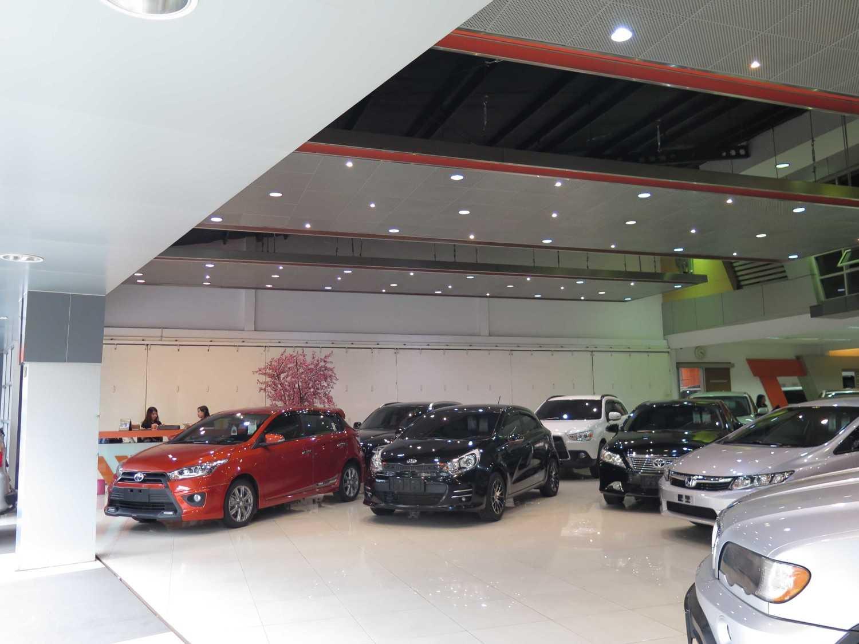 Christianto Hendrawan Omega Motor-Showroom Design Bandung Bandung Interior View  30908