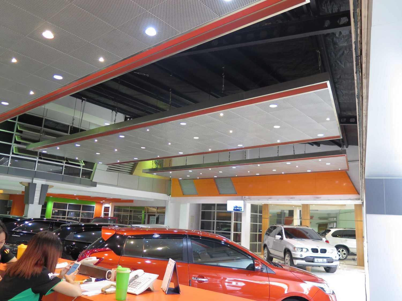 Christianto Hendrawan Omega Motor-Showroom Design Bandung Bandung Interior View  30912