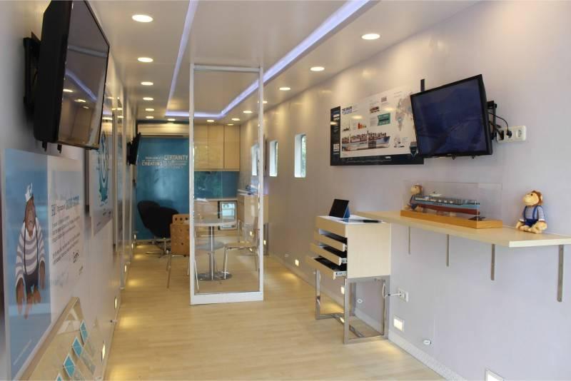 Tito Lukito Maersk Line Container Mobile                 Jakarta, Indonesia Indonesia Maersk-Interior14 Skandinavia 2796