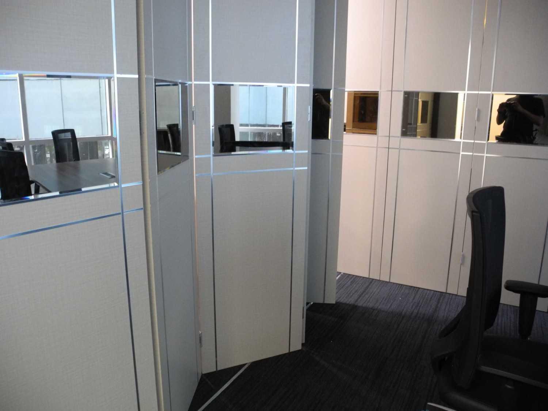 Gilbert Yohannes Voerman Meeting Room .is Best Western . Tower 2 .batam Best Western . Tower 2 .batam Dscn5006 Modern 29703