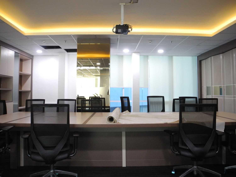 Gilbert Yohannes Voerman Meeting Room .is Best Western . Tower 2 .batam Best Western . Tower 2 .batam Dscn5015 Modern 29704