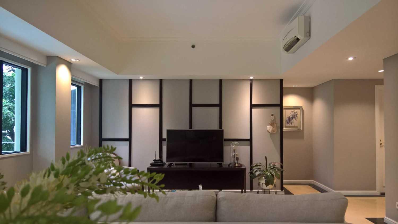 Foto inspirasi ide desain ruang keluarga skandinavia Livingroom oleh SASO Architecture Studio di Arsitag