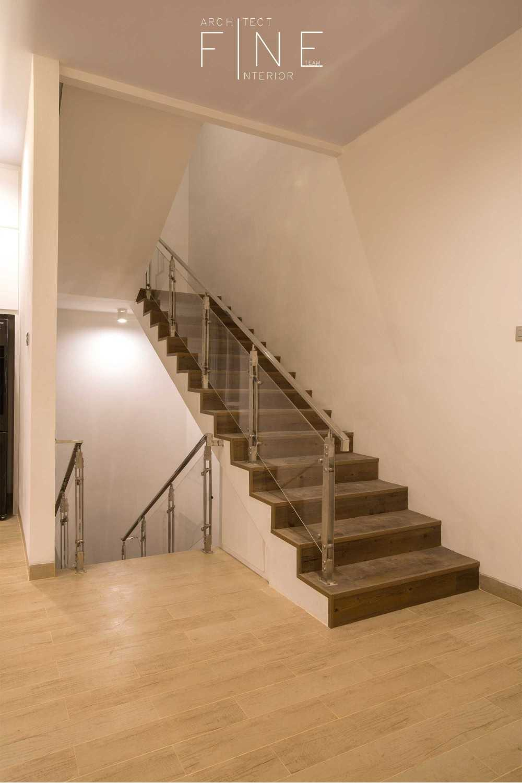 Fine Team Studio Muara Bungo Residence Muara Bungo, Jambi Muara Bungo, Jambi Stairs Modern 16639