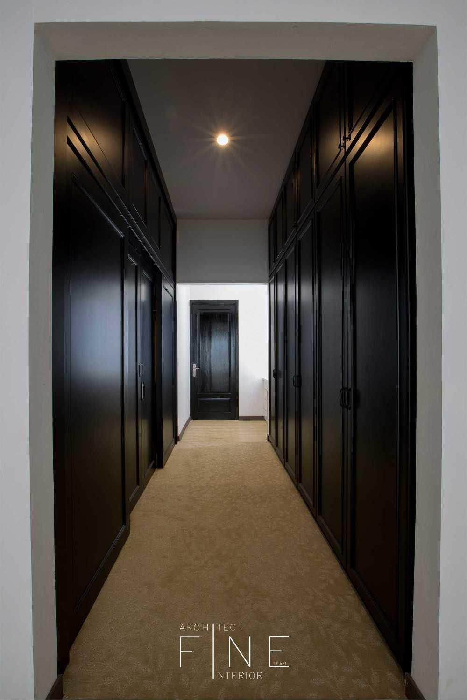 Fine Team Studio Muara Bungo Residence Muara Bungo, Jambi Muara Bungo, Jambi Walk-In Closet Minimalis 16656