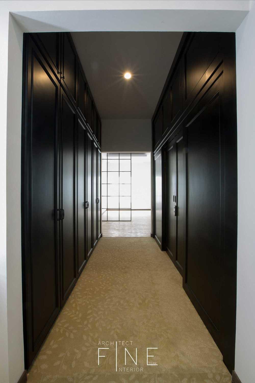 Fine Team Studio Muara Bungo Residence Muara Bungo, Jambi Muara Bungo, Jambi Walk-In Closet Modern 16657