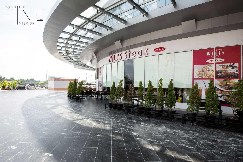 Foto inspirasi ide desain restoran modern Side view oleh Fine Team Studio di Arsitag