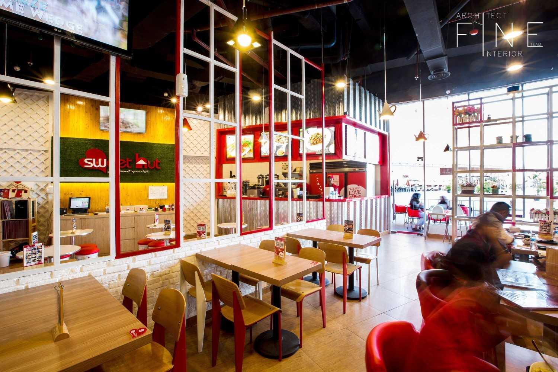 Fine Team Studio Sweet Hut Mall Cipinang Indah, Jalan Raya Kalimalang No.kav. 88, Pd. Bambu, Duren Sawit, Kota Jakarta Timur, Daerah Khusus Ibukota Jakarta 13420, Indonesia Mall Cipinang Indah Dining Area Kontemporer 16692