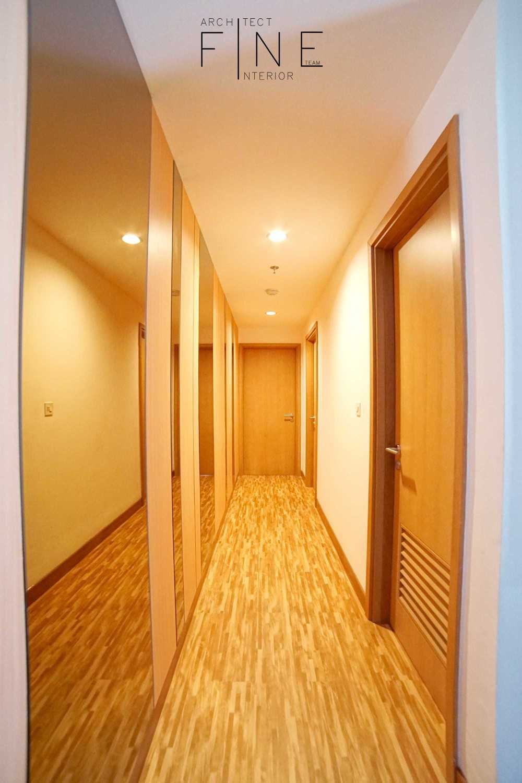 Fine Team Studio The Mansion Apartment Kemayoran, Jakarta Kemayoran, Jakarta Corridor Klasik 23321
