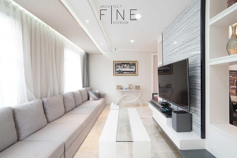 Foto inspirasi ide desain rumah modern 10residencekelapa-gading02 oleh Fine Team Studio di Arsitag