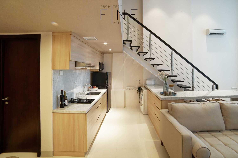 Foto inspirasi ide desain dapur modern Kitchen area oleh Fine Team Studio di Arsitag