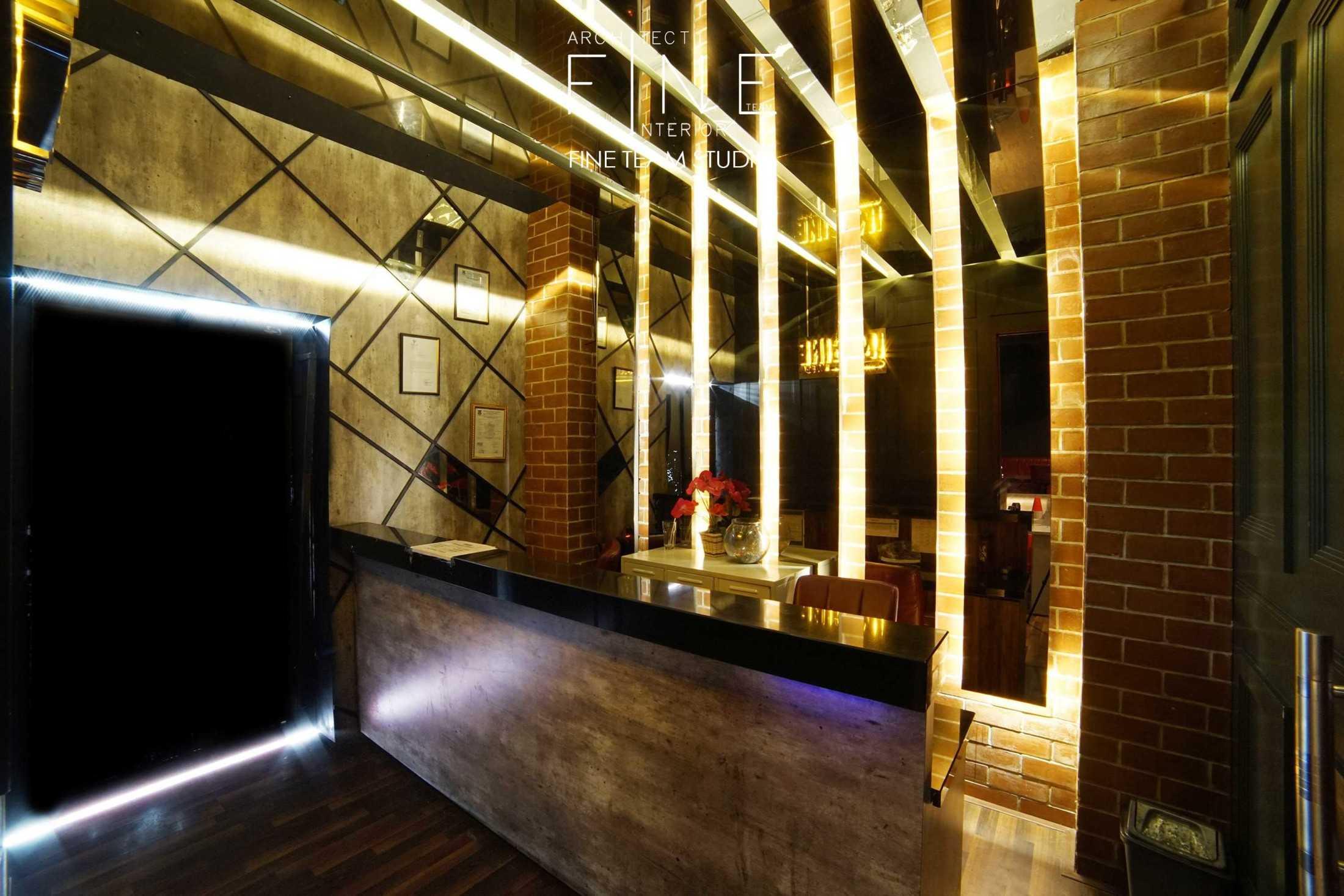 Fine Team Studio Imagine Bar & Lounge Jl. Boulevard Raya Gading Serpong, Klp. Dua, Tangerang, Banten 15810, Indonesia Jl. Boulevard Raya Gading Serpong, Klp. Dua, Tangerang, Banten 15810, Indonesia Interior Bar Kontemporer 53361