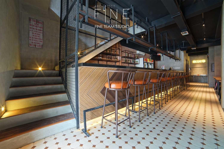 Fine Team Studio Ibza's Bar & Lounge Klp. Gading, Kota Jkt Utara, Daerah Khusus Ibukota Jakarta, Indonesia Klp. Gading, Kota Jkt Utara, Daerah Khusus Ibukota Jakarta, Indonesia Bar Area Industrial 53053
