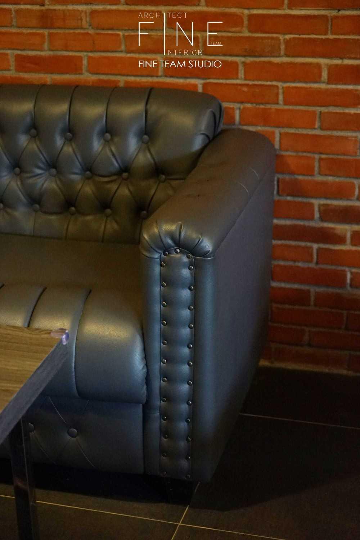 Fine Team Studio Ibza's Bar & Lounge Klp. Gading, Kota Jkt Utara, Daerah Khusus Ibukota Jakarta, Indonesia Klp. Gading, Kota Jkt Utara, Daerah Khusus Ibukota Jakarta, Indonesia Details  Seating Area Industrial 53071