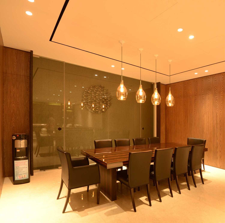Welly Kusumo Nr Residence  Permata Buana Permata Buana Diningroom Modern 18606