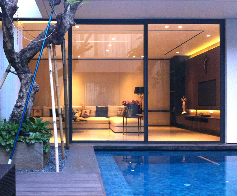 Welly Kusumo Nr Residence  Permata Buana Permata Buana Swimming Pool Modern 18614