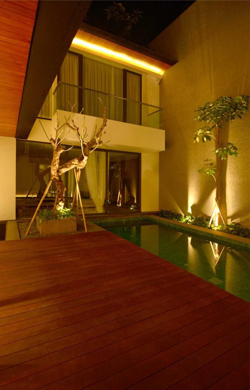Welly Kusumo Nr Residence  Permata Buana Permata Buana Swimming Pool Modern 18615