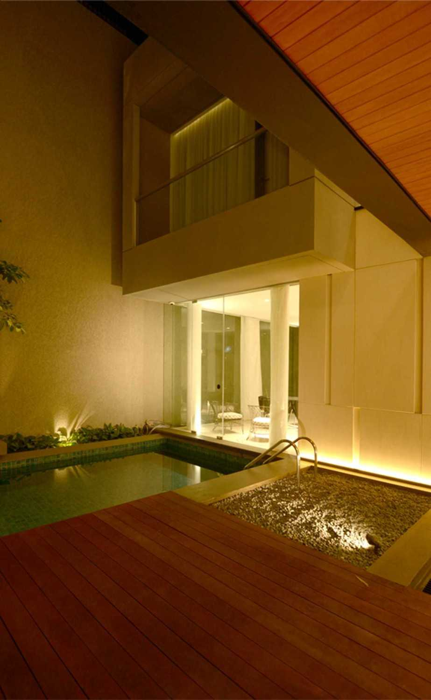 Welly Kusumo Nr Residence  Permata Buana Permata Buana Swimming Pool Modern 18616