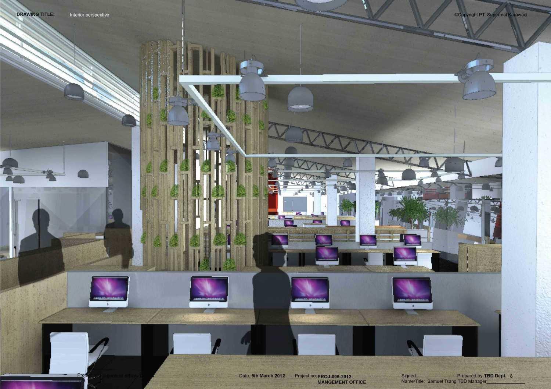Foto inspirasi ide desain ruang kerja industrial Staff area oleh TAU Architect di Arsitag
