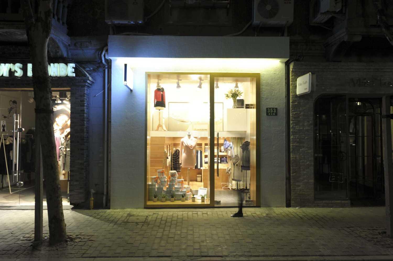 Foto inspirasi ide desain exterior skandinavia Front view oleh TAU Architect di Arsitag