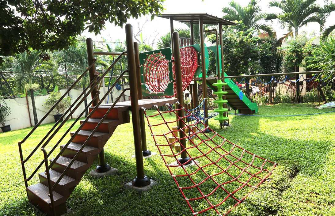 Tau Architect Jakarta Montessori School Ragunan Jakarta Ragunan Jakarta Montessori Playground Tropis 16722