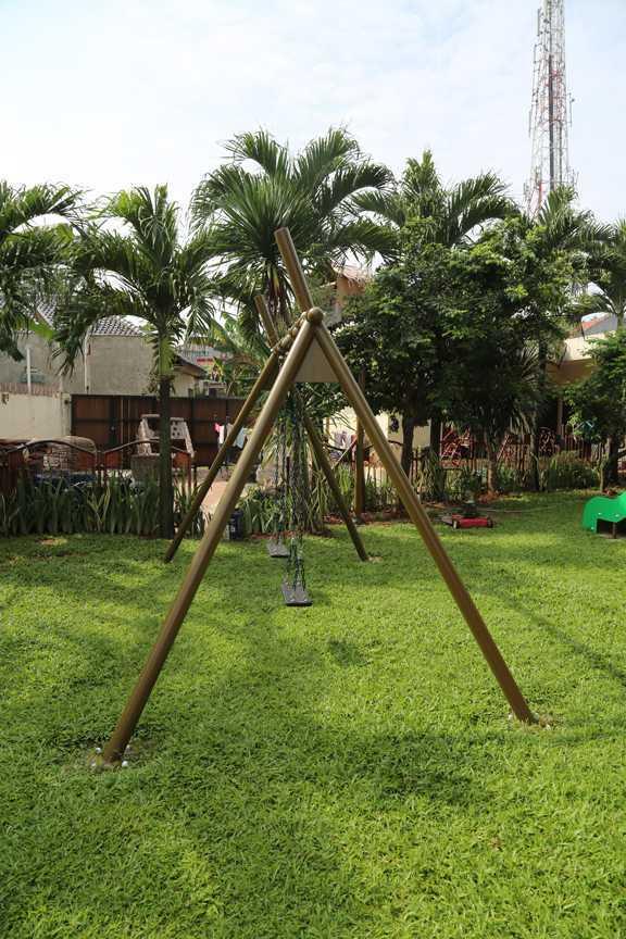Tau Architect Jakarta Montessori School Ragunan Jakarta Ragunan Jakarta Montessori-Swings Tropis 16728