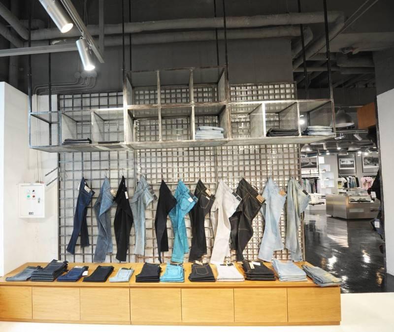 Tau Architect Source Store At Shanghai China China Racks Industrial 3694