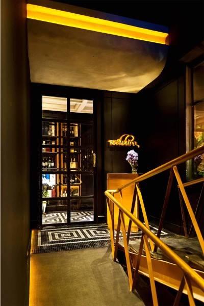 Foto inspirasi ide desain pintu masuk klasik Wilshire oleh leo einstein fransiscus di Arsitag