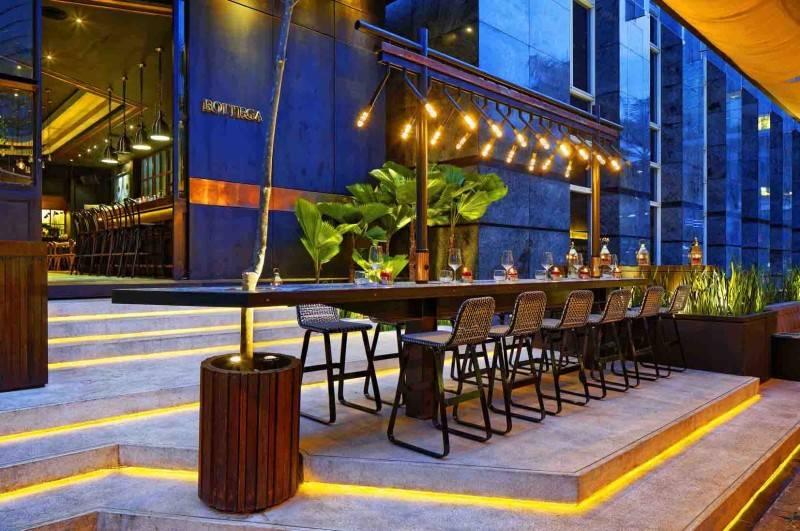 Leo Einstein Fransiscus Bottega Ristorante Mega Kuningan Mega Kuningan Seating Area Restaurant  7835