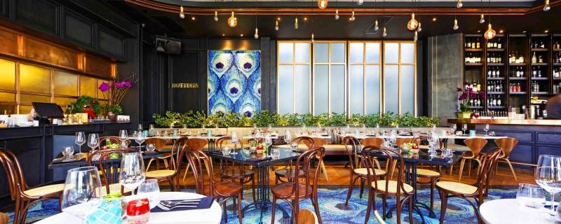 Leo Einstein Fransiscus Bottega Ristorante Mega Kuningan Mega Kuningan Seating Area Restaurant  7845