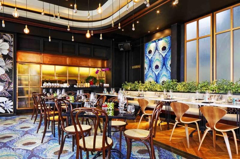Leo Einstein Fransiscus Bottega Ristorante Mega Kuningan Mega Kuningan Seating Area Restaurant  7847