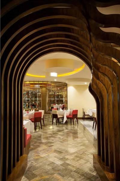 Mul I.d Design Consultant Ghaya Grand Hotel At Dubai United Arab Emirates United Arab Emirates Red-Diamond-Restaurant-Entrance  3879