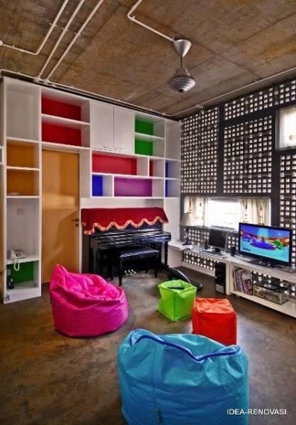 Foto inspirasi ide desain kamar tidur anak tropis Ruang-main-anak oleh AKANOMA YU SING di Arsitag