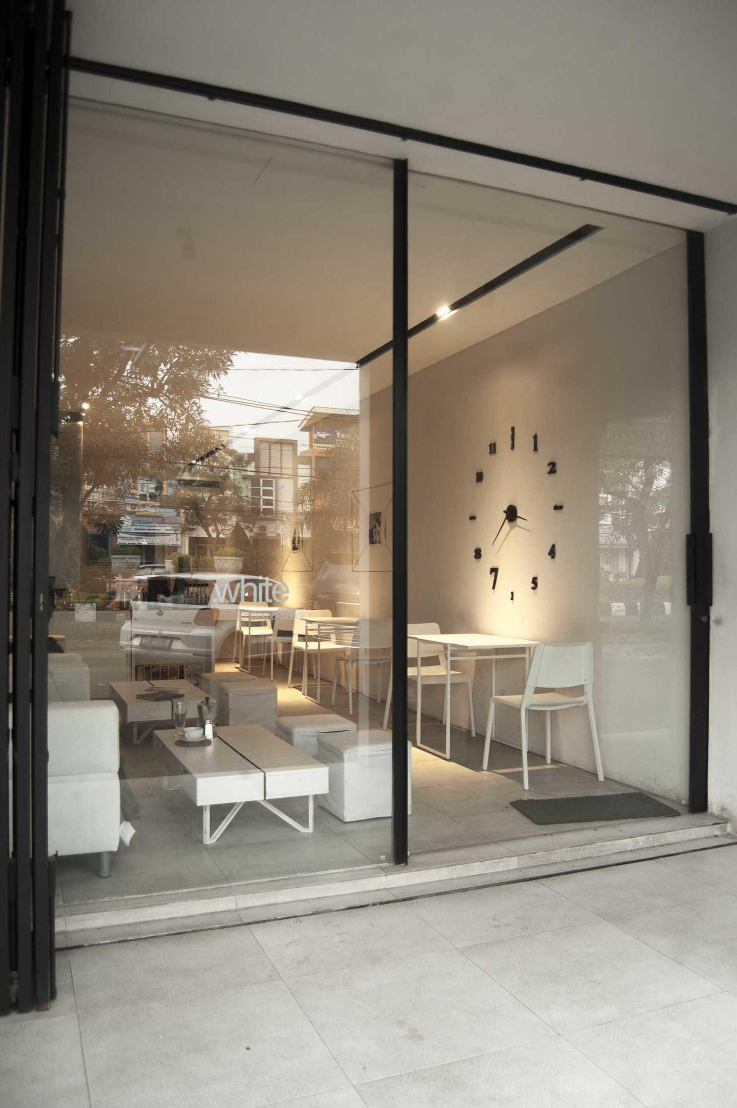 Ads Architect Kafe Kotak Putih Sentul Selatan Sentul Selatan Ads-Architect-Kafe-Kotak-Putih  53515