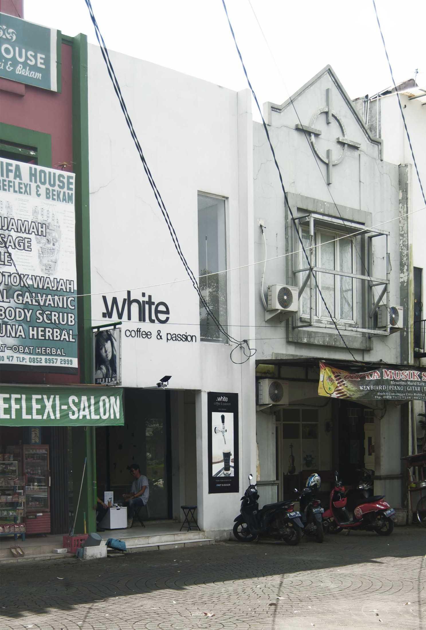 Ads Architect Kafe Kotak Putih Sentul Selatan Sentul Selatan Ads-Architect-Kafe-Kotak-Putih  53518