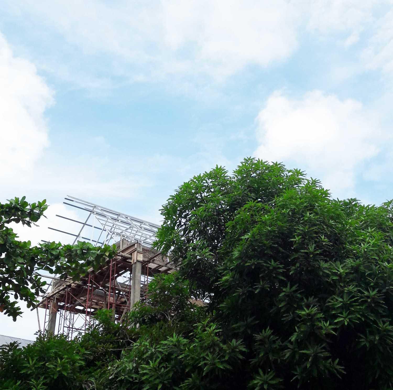 Miv Architects (Ar. Muhammad Ikhsan Hamiru, Iai & Partners) Asrama Mahasiswa Polewali Mandar Di Makassar | With Pt.dap Makassar, Sulawesi Selatan, Indonesia Makassar, Sulawesi Selatan, Indonesia Photo-10839 Tropis,modern 10839