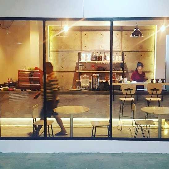 Rdesign Coffee No.45 Bekasi Jl. Taman Wisma Asri, Bekasi, Jawa Barat Jl. Taman Wisma Asri, Bekasi, Jawa Barat Img20170214211732944  26032