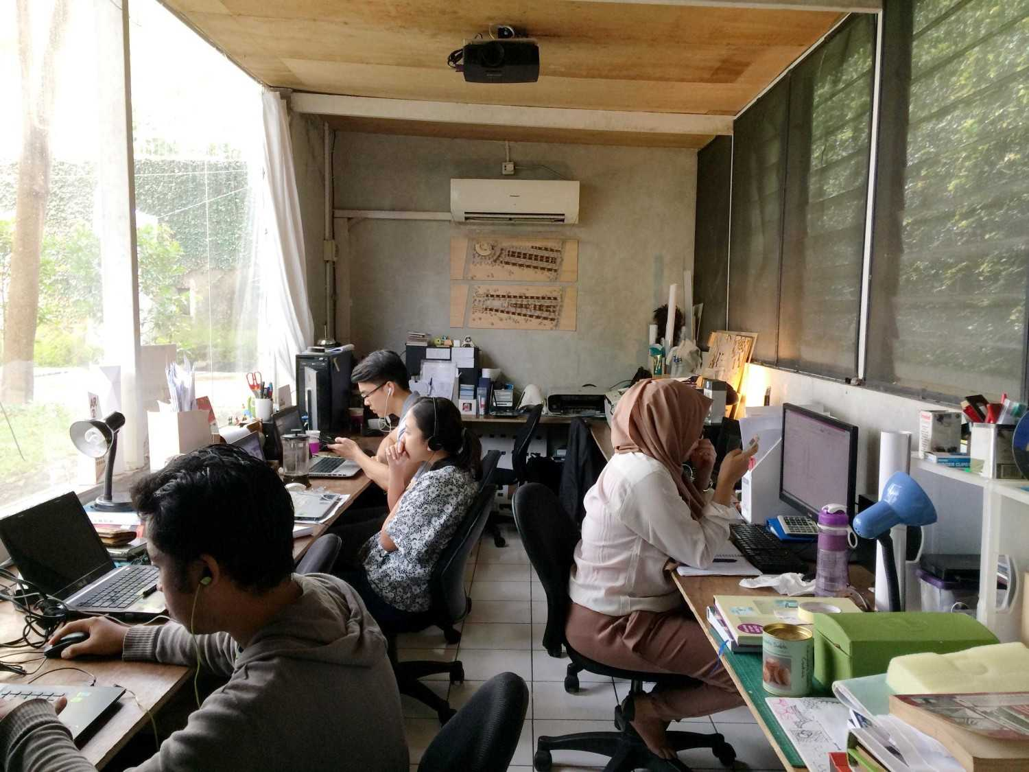 Monokroma Architect Monokroma Architect Office Lippo Karawaci Lippo Karawaci 9-Working-Space Modern 23591