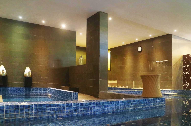 Foto inspirasi ide desain kolam minimalis Spa area oleh Monokroma Architect di Arsitag