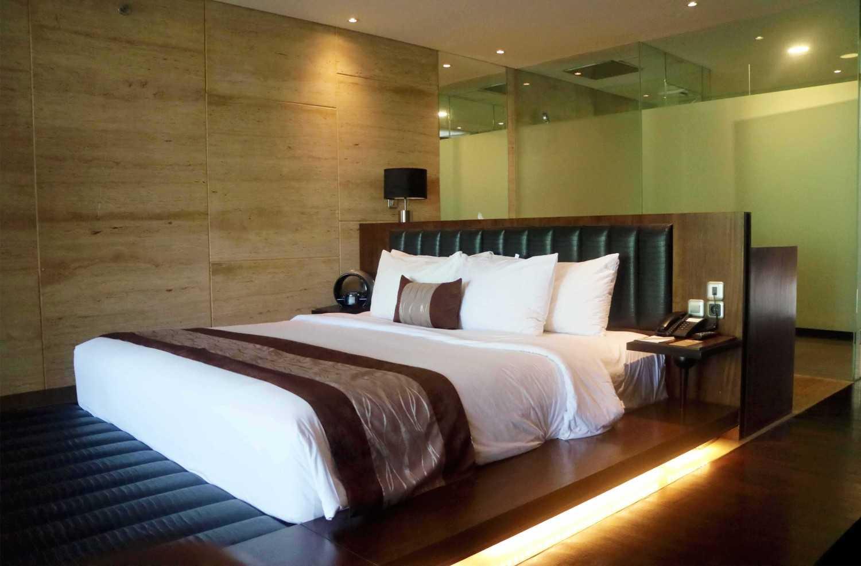 Monokroma Architect Golden Tulip Devinz Skyvilla Seminyak, Bali Seminyak, Bali Bedroom Modern 29932