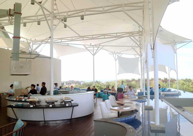 Monokroma Architect Golden Tulip Devinz Skyvilla Seminyak, Bali Seminyak, Bali Rooftop Restaurant Modern 29942