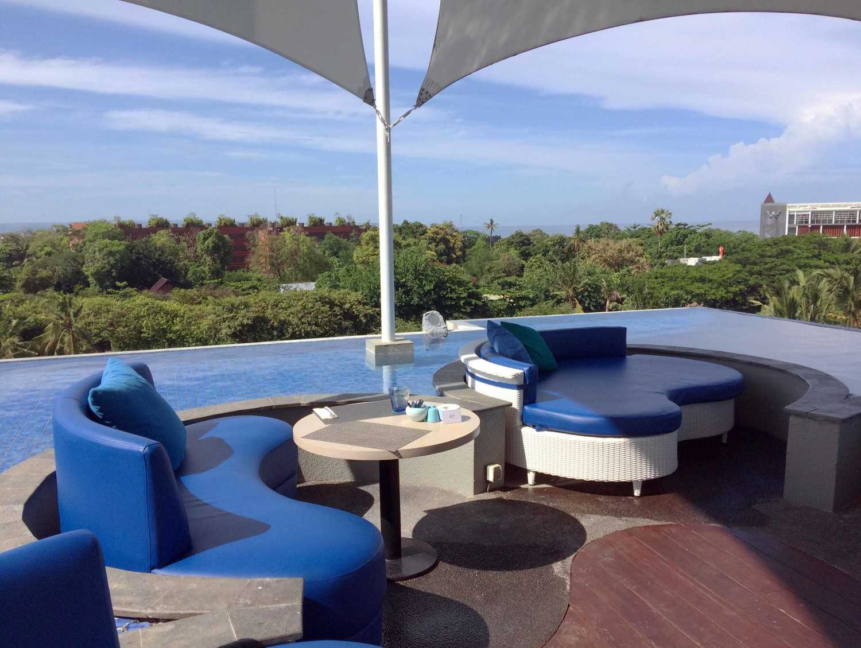 Monokroma Architect Golden Tulip Devinz Skyvilla Seminyak, Bali Seminyak, Bali Rooftop Restaurant Modern 29947