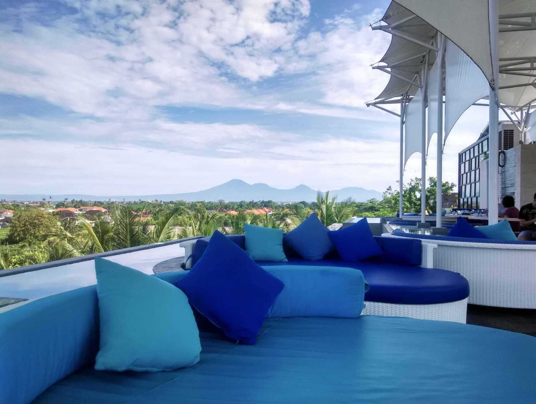 Monokroma Architect Golden Tulip Devinz Skyvilla Seminyak, Bali Seminyak, Bali Rooftop Restaurant Modern 29948